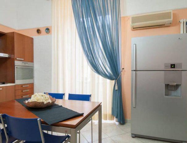Cucina dell'appartamento Vittorio Emanuele | Turenum Apartment Trani