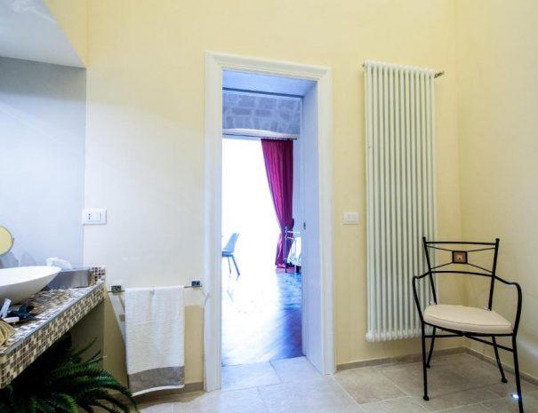 Dettaglio Bagno camera Principe Amedeo Turenum apartment Trani